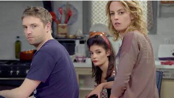 La coloc est obligé de dire la vérité à Barbara concernant Mélanie et Francesco