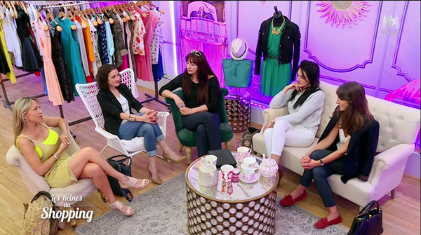 Suppression des commentaires face à face dans Les reines du shopping