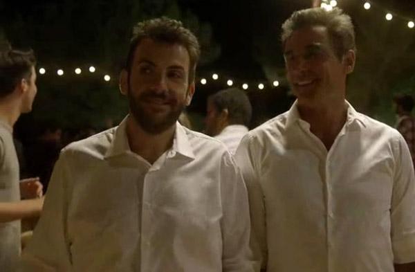 """Xavier sans Amandine dans Camping Paradis saison 8 épisode 4 """"3 papas et 1 maman"""""""