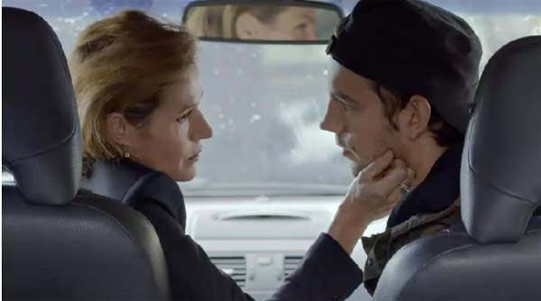 Mitia sort avec la mère de Julien Cayrol