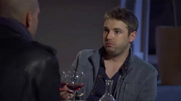 Nathan arrêté par la police à cause de Rochat ?