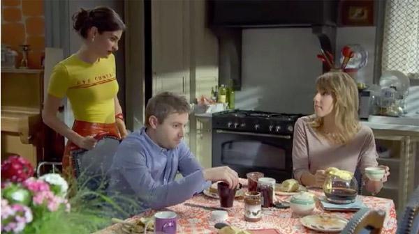 Sabrina en veut toujours à Julien : il lui ment.