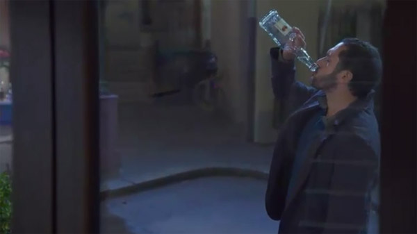 Francesco replonge dans l'alcool, Castelli va l'aider