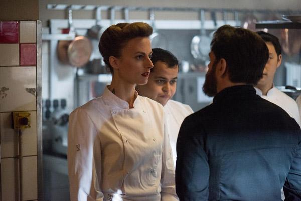 Coralie de #PBLV évolue dans Chefs en une reine de la cuisine au caractère bien trempé / Credit : © Christophe CHARZAT / FTV / CALT
