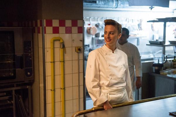 Sara Mortensen débarque dans Chefs saison 2 avec Cindy / Credit : © Christophe CHARZAT / FTV / CALT
