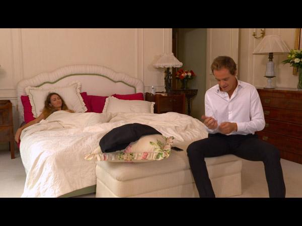 Peter ment à Valentina par rapport à ce qui s'est passé avec Tatiana
