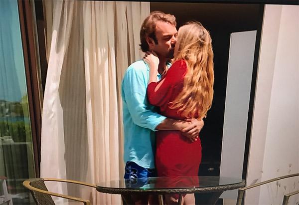 Hélène et Nicolas heureux à Love Island à moins que Valentina complique les choses !