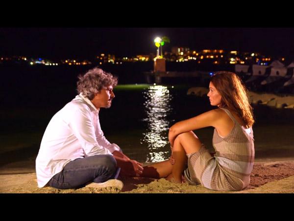 Cathy et José décident de faire la paix la veille du mariage de leurs amis.