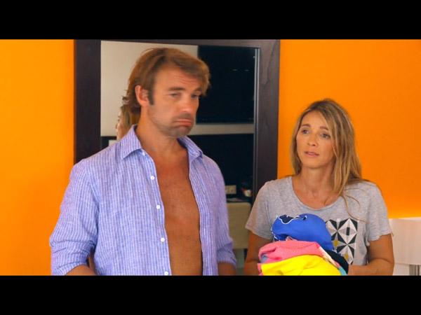 Hélène et Nicolas prêts pour aller se baigner à Love Island