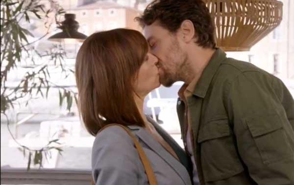flore et thomas le baiser et fabienne sait pour bastien en