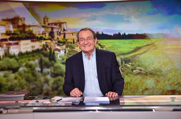 Le merveilleux village de no l tf1 jean pierre pernaut for Pierre mabille le miroir du merveilleux
